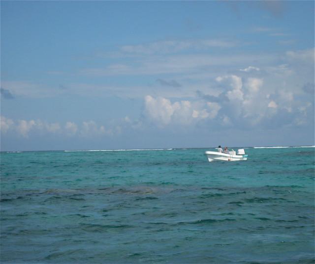 snorkel boat3 flickr photo sharing