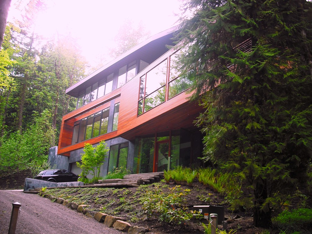 The cullen house portland or kellymanningphotograph for Edward cullen house