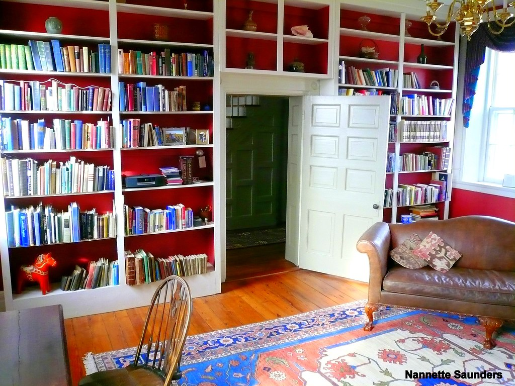 Beautiful Library Antebellum Home With A Beautiful