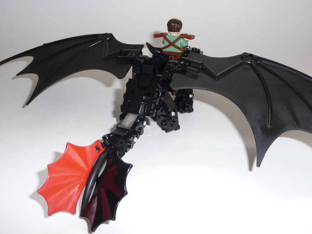 Hiccup riding Toothless - YouTube
