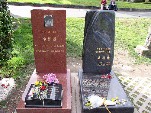 Bruce Lee und Brandon Lee Grab | Ice@man | Flickr Bruce Lee Open Casket