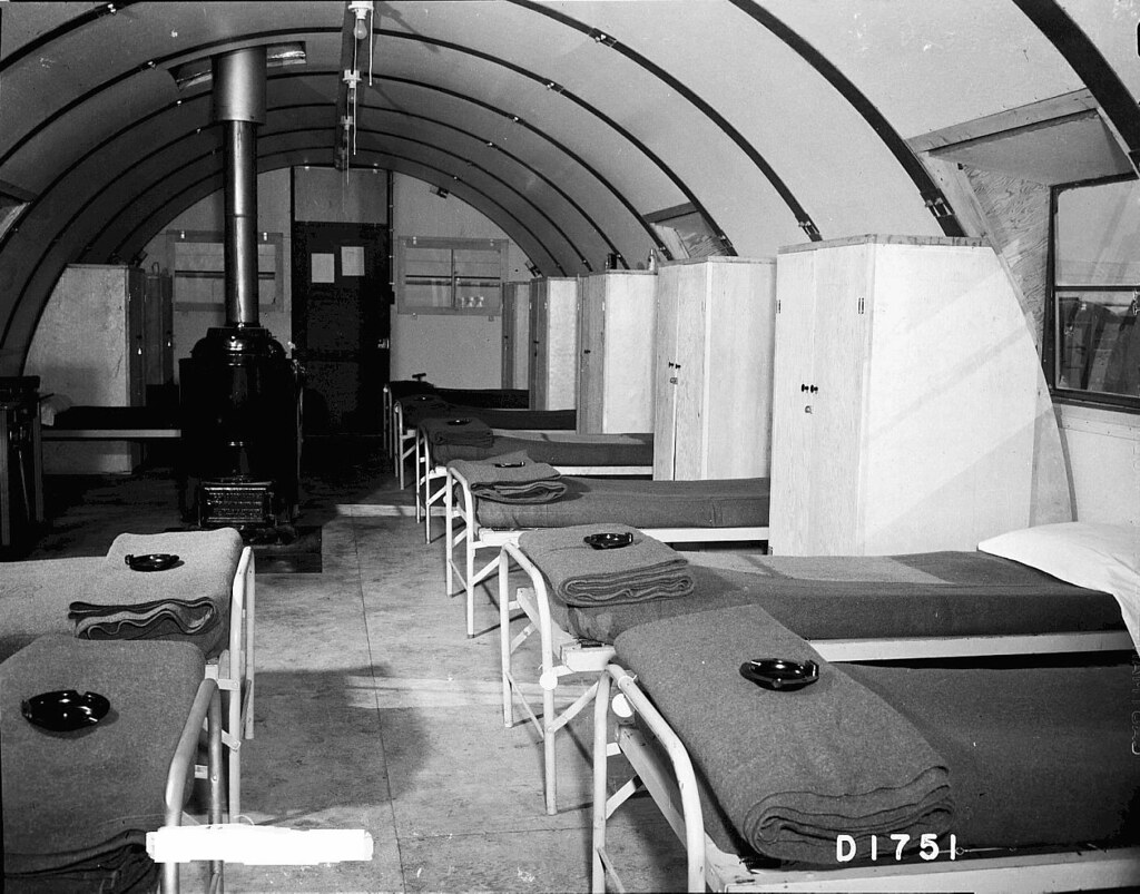 1944 Barracks At Camp Hanford Quonset Hut Interior Flickr