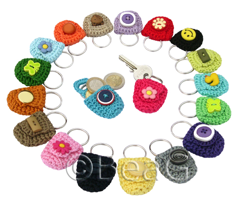 Crochet Purse Keychain Pattern : Keychain Coin Holders (Munthoudertjes) * These crocheted ...