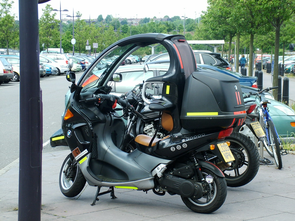 bmw c1 2003 bmw c1 39 200 39 176 cc engine producing 18 bhp. Black Bedroom Furniture Sets. Home Design Ideas
