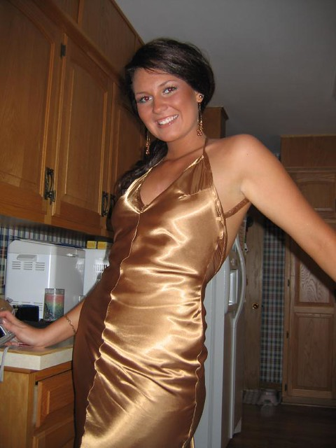 Mature Mom Nightgown Cleavage-6483