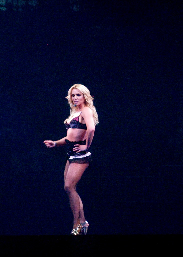 THE CIRCUS STARRING BRITNEY SPEARS (03/05/09) | the circus s ... Britney Spears