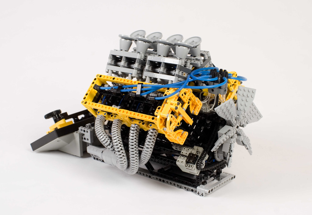 lego technic v8 engine 05 right side of the model here. Black Bedroom Furniture Sets. Home Design Ideas
