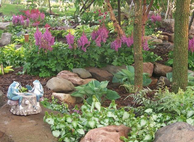 100 1708 Shade Garden Landscape Design Hosta Astible Lam