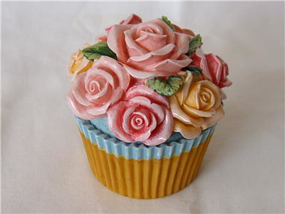 "Le Cupcake"" Jewellery box! 