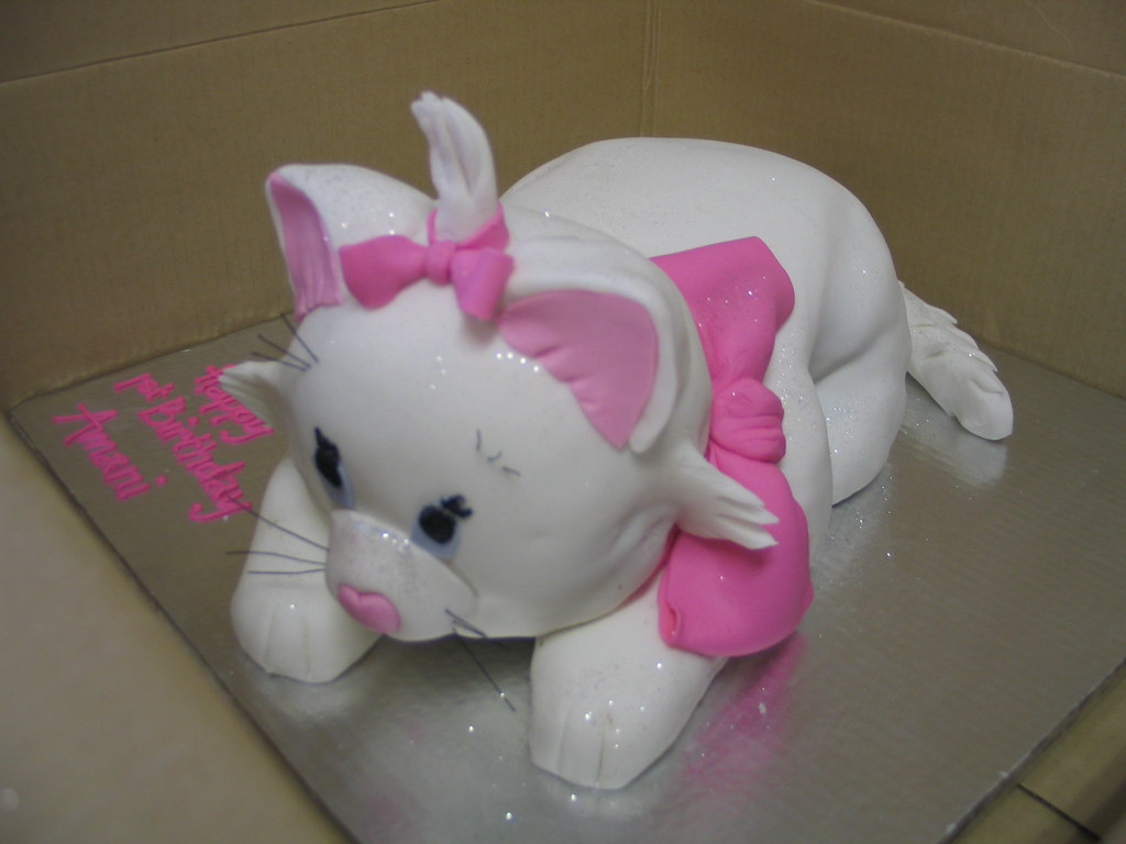 Marie the cat birthday cake Charlys Bakery Flickr