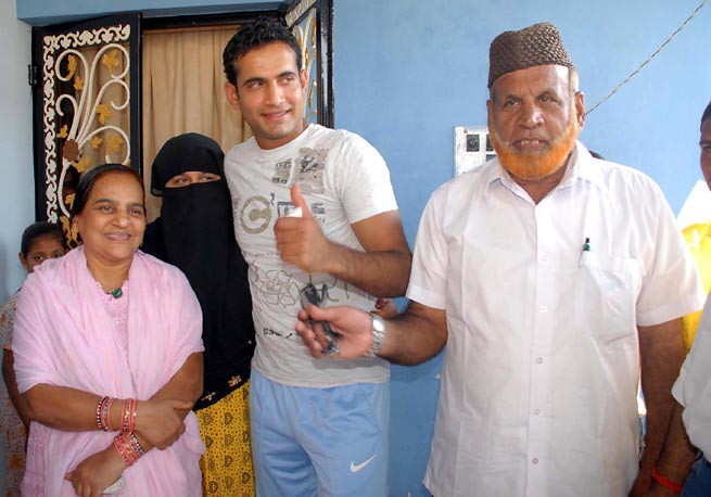 Yusuf Pathan And His Wife irfan pathan | VADODAR...
