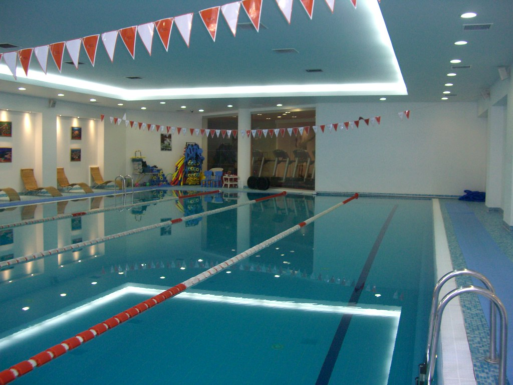 Orange Fitness Pool In The Holiday Inn Sokolniki In Moscow Flickr