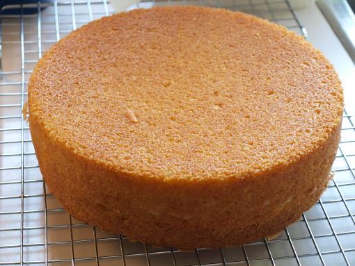 White Chocolate Ganache Covered Cake