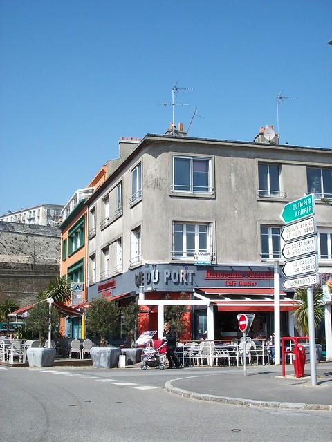 Bars er commerces du quai de la douane du port de commerce flickr photo sharing - Restaurant port de commerce brest ...