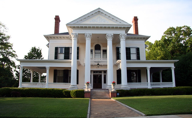 Southern mansion 1 small troy alabama sbernadette65 for Small european homes