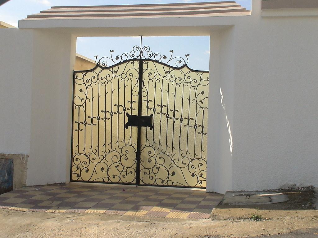 Porte ext rieure en fer forg tunis maisons citizen59 flickr for Porte entree fer forge villa