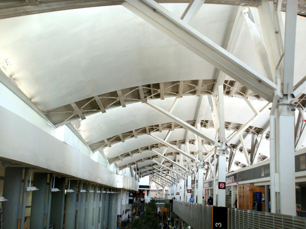 Aeropuerto de la ciudad de m xico terminal 1 2009 4104 for Puerta 6 aeropuerto ciudad mexico