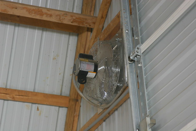 Barn Fan Exhaust Fan On Thermostat This Fan Is About 15