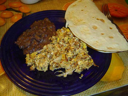 huevos con machaca: