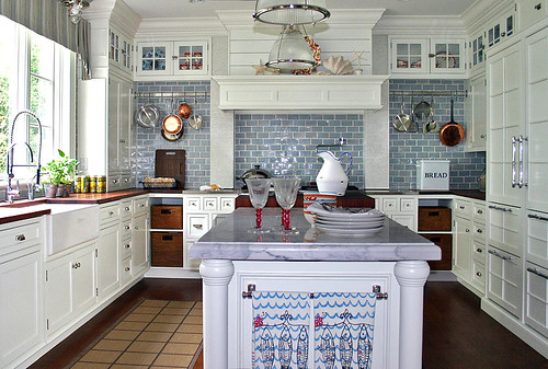 Blue + white kitchen White cabinets + white marble + blue tiles  by