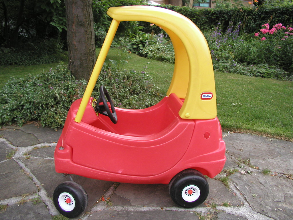 Little Tikes Cozy Coupe II Car | Little Tikes Cozy Coupe II … | Flickr