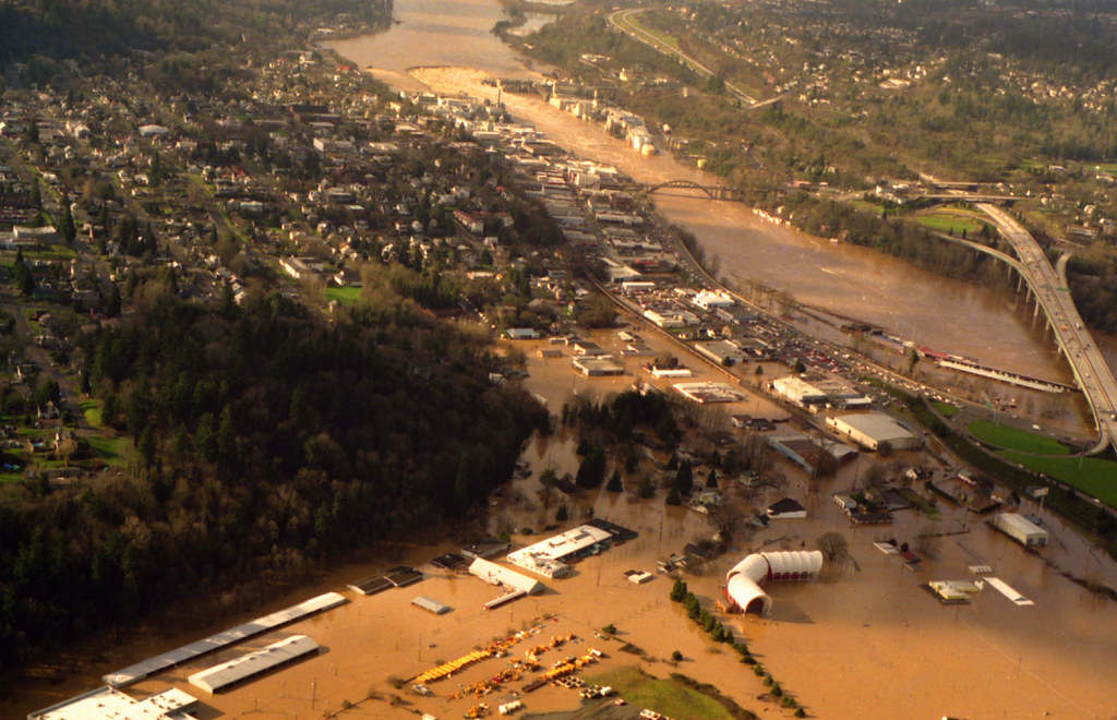 1996 willamette river flood in oregon city high on life for Country plans com