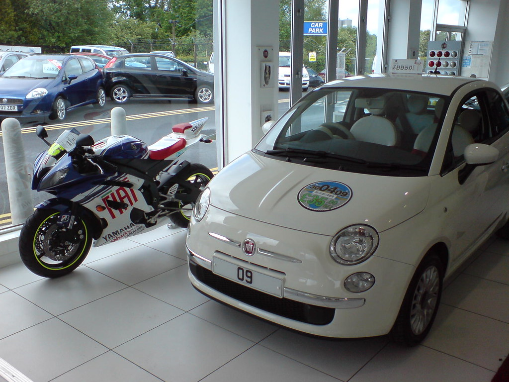 fiat yamaha rossi yzf r6 with fiat 500 flickr. Black Bedroom Furniture Sets. Home Design Ideas