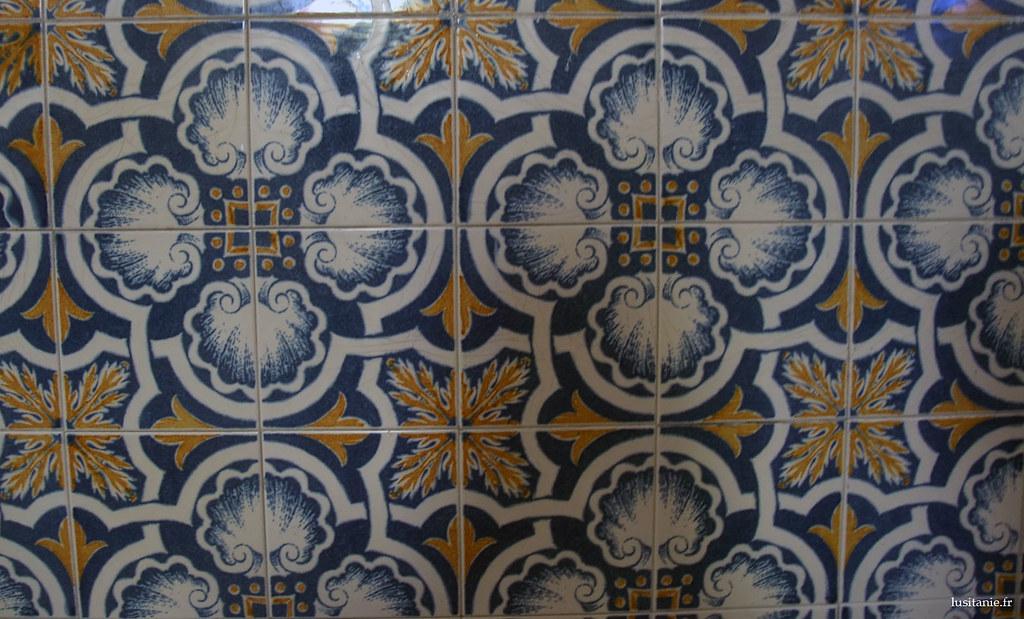 Les azulejos sont très répandus, on en trouve partour : églises, maisons de riches, de pauvres... partout!