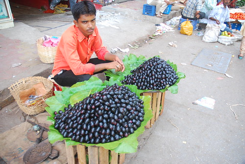 Badlapur Jambul Rs 200 a KG | by firoze shakir photographerno1