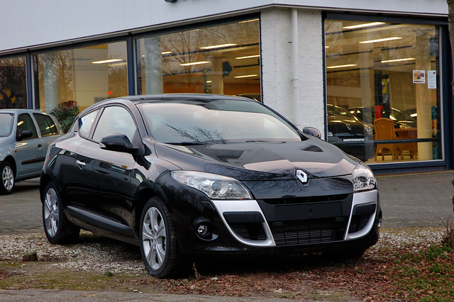 Renault m gane coupe 2009 i think the new m gane looks ama flickr - Renault megane 2009 coupe ...