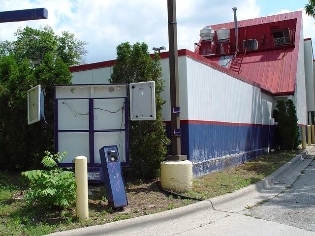 Abandoned Hot N Now Drive Thru Restaurant Order Station Flickr