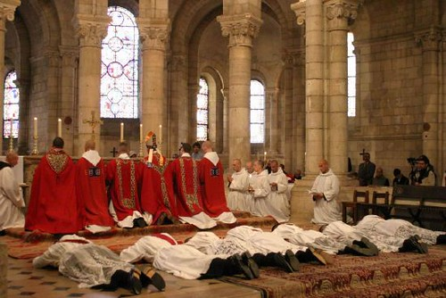 ordinations sacerdotales abbaye notre dame de fontgombaul flickr. Black Bedroom Furniture Sets. Home Design Ideas