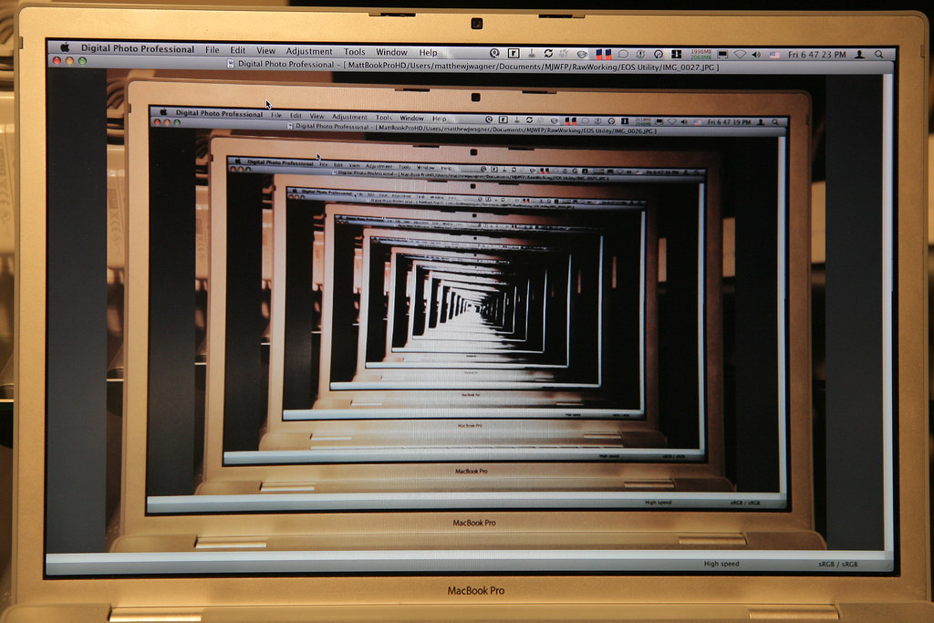 Mac infinity mirror infintiy mirror effect using canon for Double mirror effect