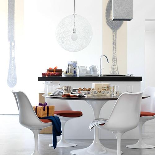 Saarinen Tulip table chairs walnut top Tulip  : 32015300376b42d732c9 from www.flickr.com size 500 x 500 jpeg 87kB