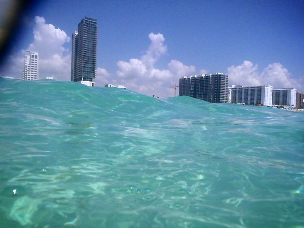 Miami beach tsunami | David Trawin | Flickr