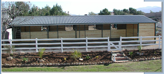 L shaped wood shedrow barn barn barns horse horses for Barn shaped garage
