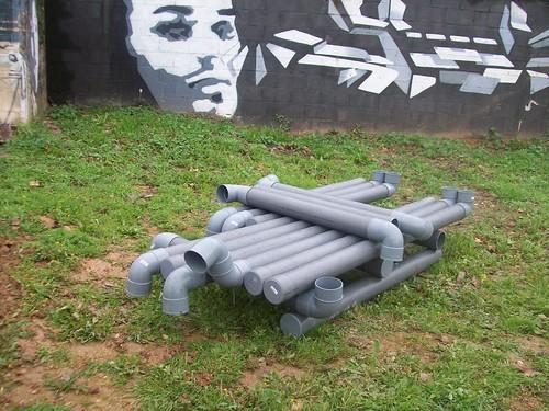 mueble de tubos de PVC  by wwwaulabiertainfoaulagarden