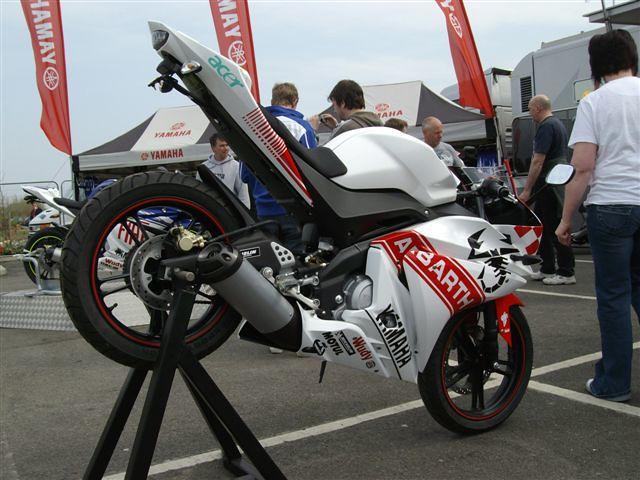 Fiat Abarth Rossi Yamaha Yzf R125 Replica Cmcbikes Com