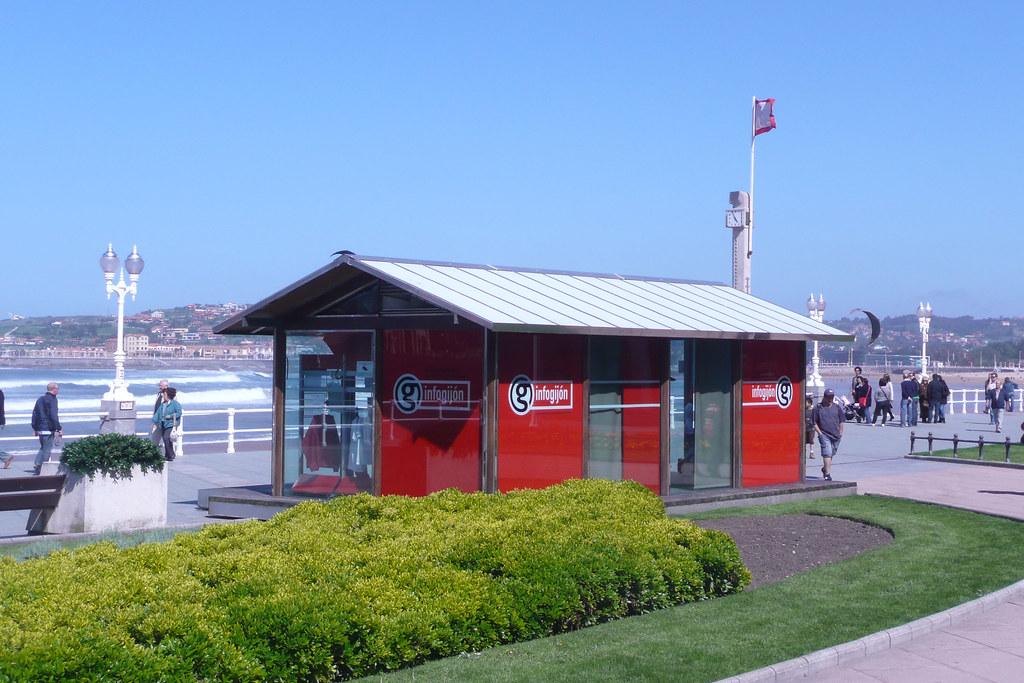 Oficina de informacion turistica info gij n oficina de for Oficina de consumo gijon
