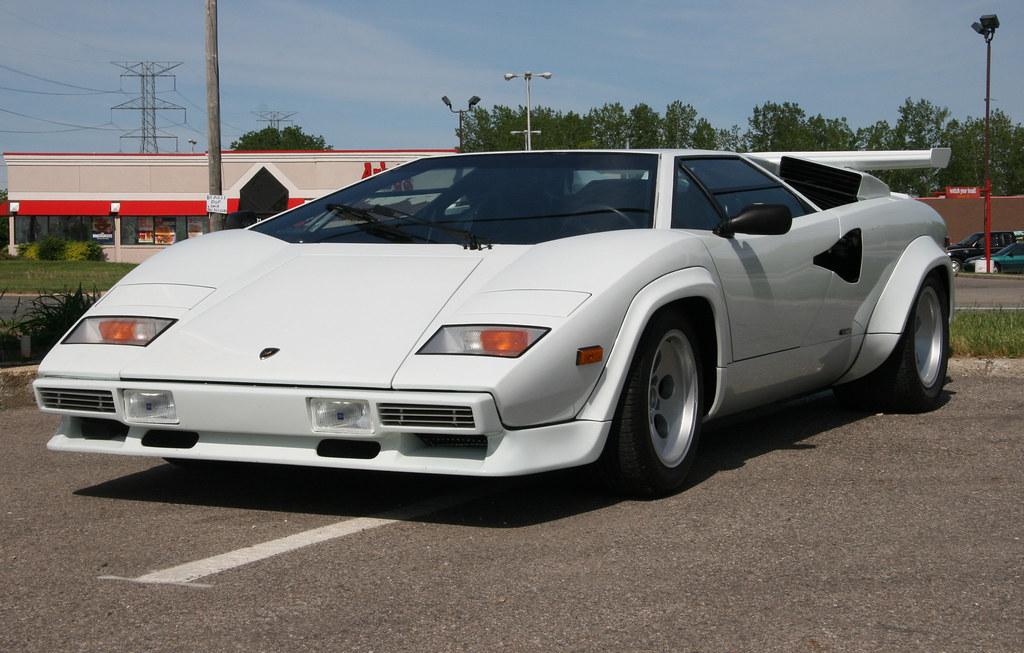 Lamborghini Countach 80 S White Lamborghini Countach