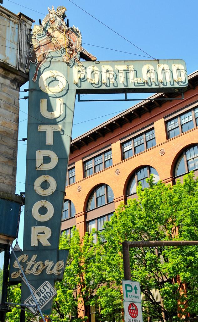 portland outdoor store portland ore dan knauss flickr. Black Bedroom Furniture Sets. Home Design Ideas