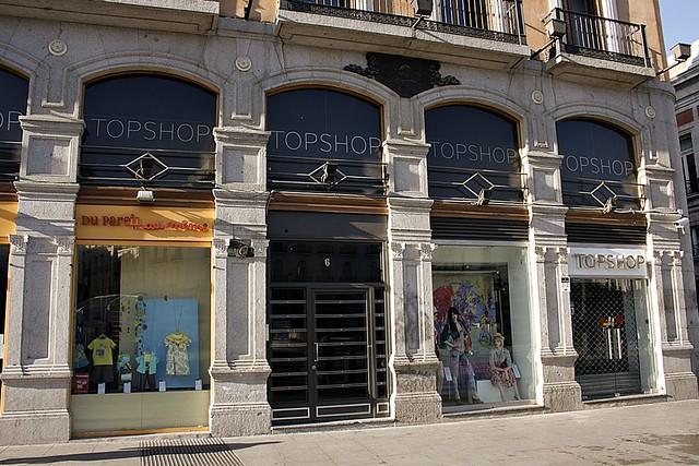 Puerta del sol esquina a carretas lugar exacto del asesin for Libreria puerta del sol