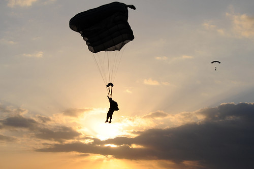 Advanced Military Free Fall Training | by DVIDSHUB