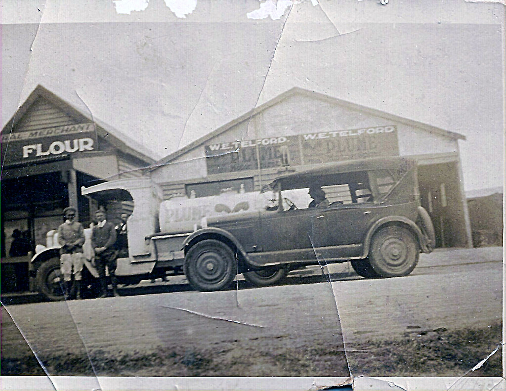 Walter telford 39 s store and garage in apollo bay c1930 for Walter motor truck company