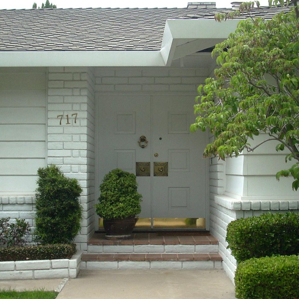 1024 #4A602B Mid Century Modern Front Door Modesto CA. J.L. Ordaz Flickr picture/photo Mid Century Front Doors 44391024