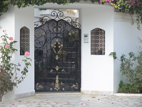 Style de porte exterieure en fer forg tunis flickr for Porte exterieur bois tunisie