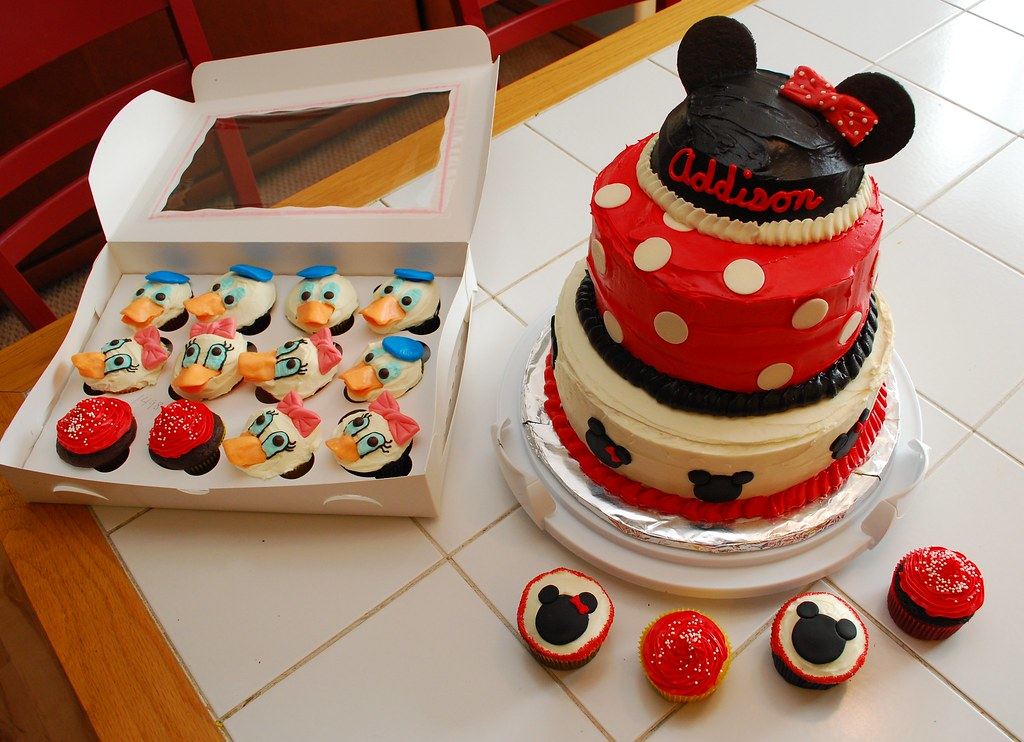 Mickey Mouse Cake Pops Recipe