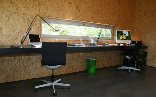 Nice home office built in desk greg la vardera flickr for Nice office decor