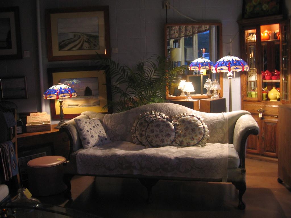 1930s vignette camelback made in 1930 7 feet long for Living room 1930s