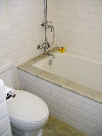 Tiled tub surround jamie valle flickr - Installing tile around bathtub ...